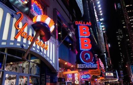 Даллас барбекю на Таймс-Сквер
